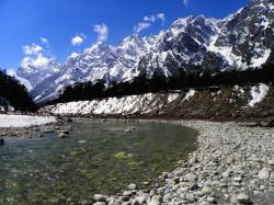 Waterfall View Yumthang Valley | Yumthang Valley Photos - View 121 Pictures | HolidayIQ