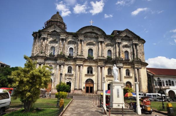 Basilica of St Martin de Tours Taal
