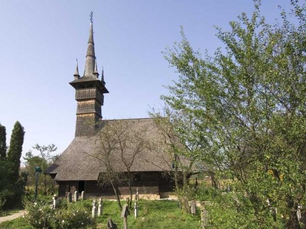 Călineşti Susani Church Mara Valley