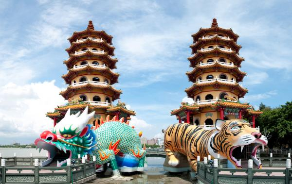 Dragon & Tiger Pagodas Kaohsiung