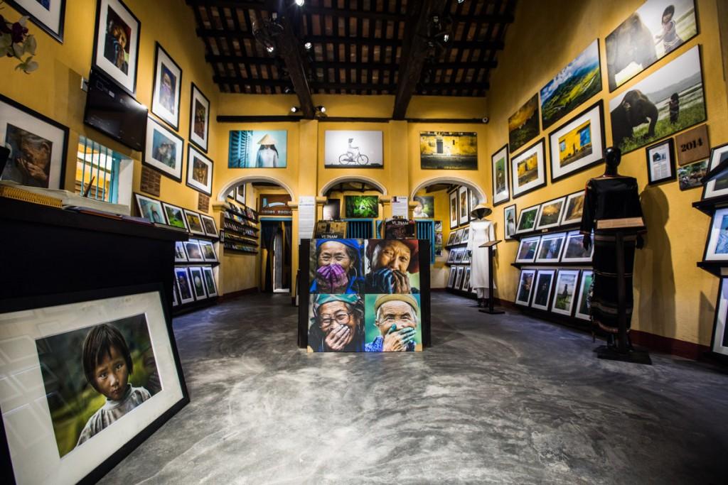 Best Places for Shopping in Hoi An - Artworks and Souvenirs